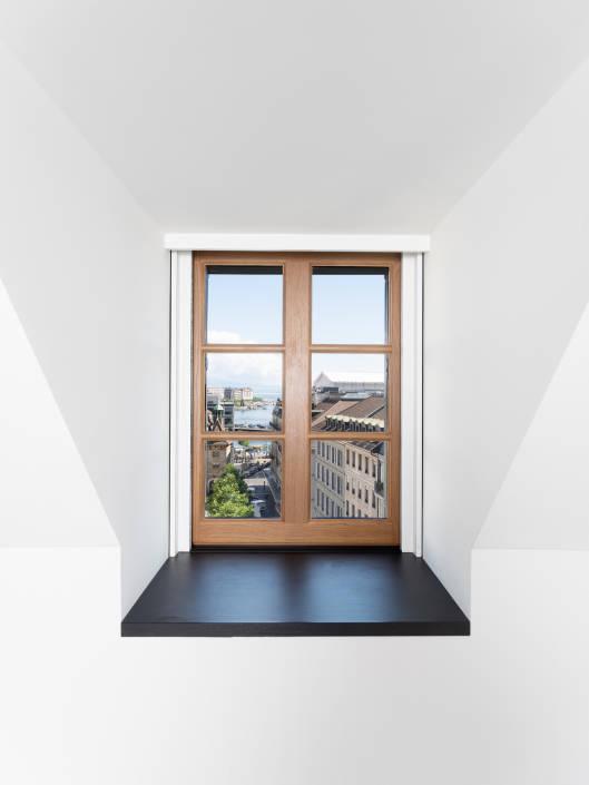vue sur la rade de Genève depuis une chambre d'hôtel