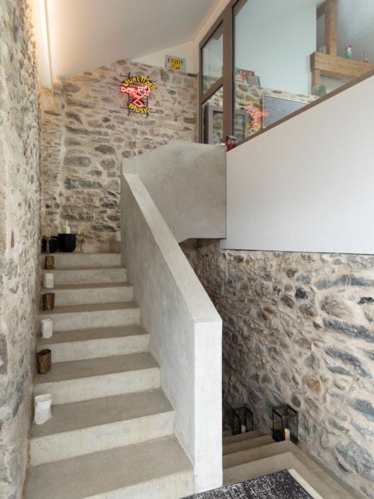 escalier dans un hall d'entrée