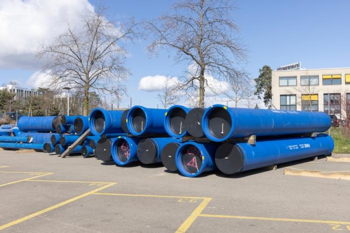dépôt de tuyaux