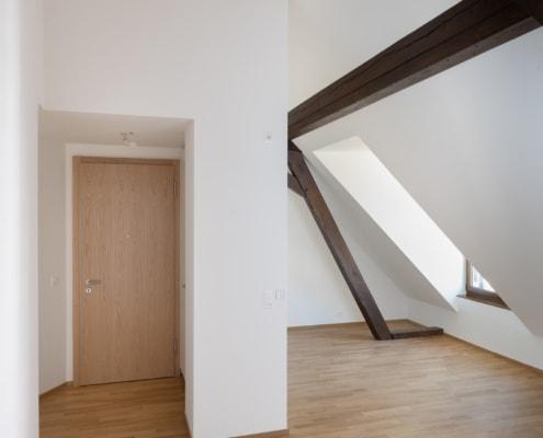 salle de séjour avec porte